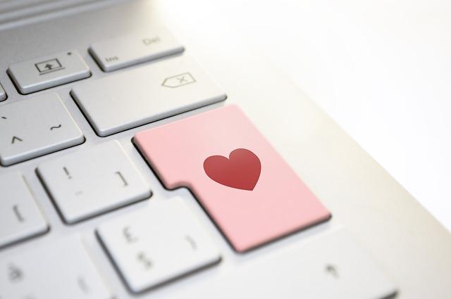 srdce na tlačítku