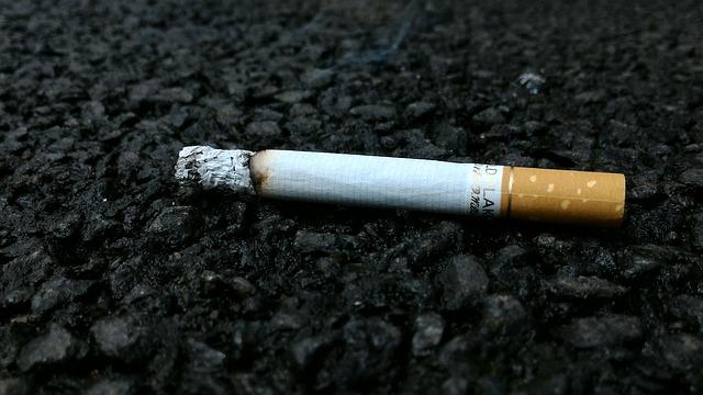 Odhozená cigareta